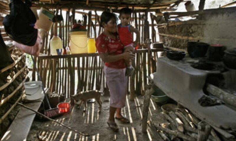 Paraguay, República Dominicana y Colombia tenían las mayores tasas de pobreza hasta el año pasado, sin embargo no hay datos diponibles para el 2012, según la CEPAL. (Foto: AP)