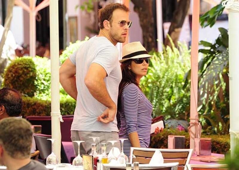 La revista People confirmó que la pareja que comenzó su relación en julio ha decidido tomar rumbos distintos. No obstante, hay rumores de que él se acercó desde un principio a la actriz por su dinero.