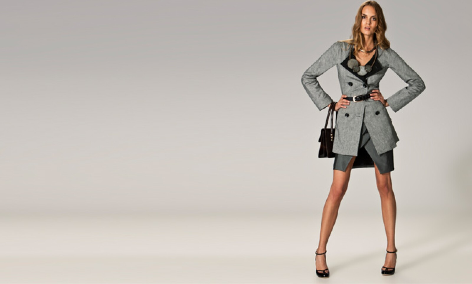 Un estilo ejecutivo pero con el toque de sensualidad que ajusta las prendas al cuerpo.