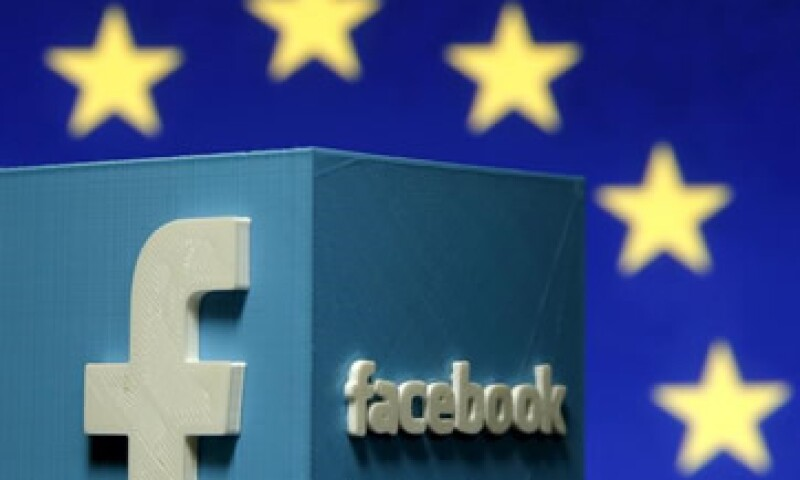 La red social registra movimientos de quienes no tienen una cuenta en ella, acusa el regulador. (Foto: Reuters )