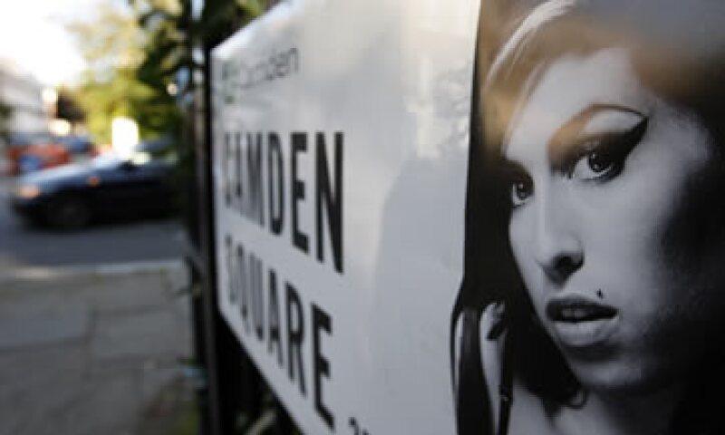 Su canción más conocida, Rehab, hacía referencia a su lucha por librarse de las drogas. (Foto: AP)