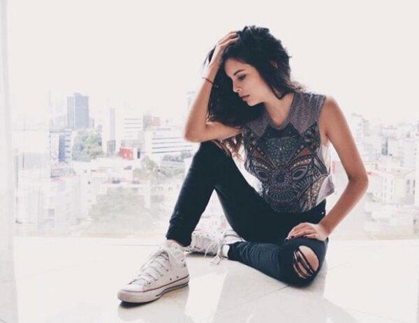 Paula tiene 14 años y, al parecer, también le gusta modelar.