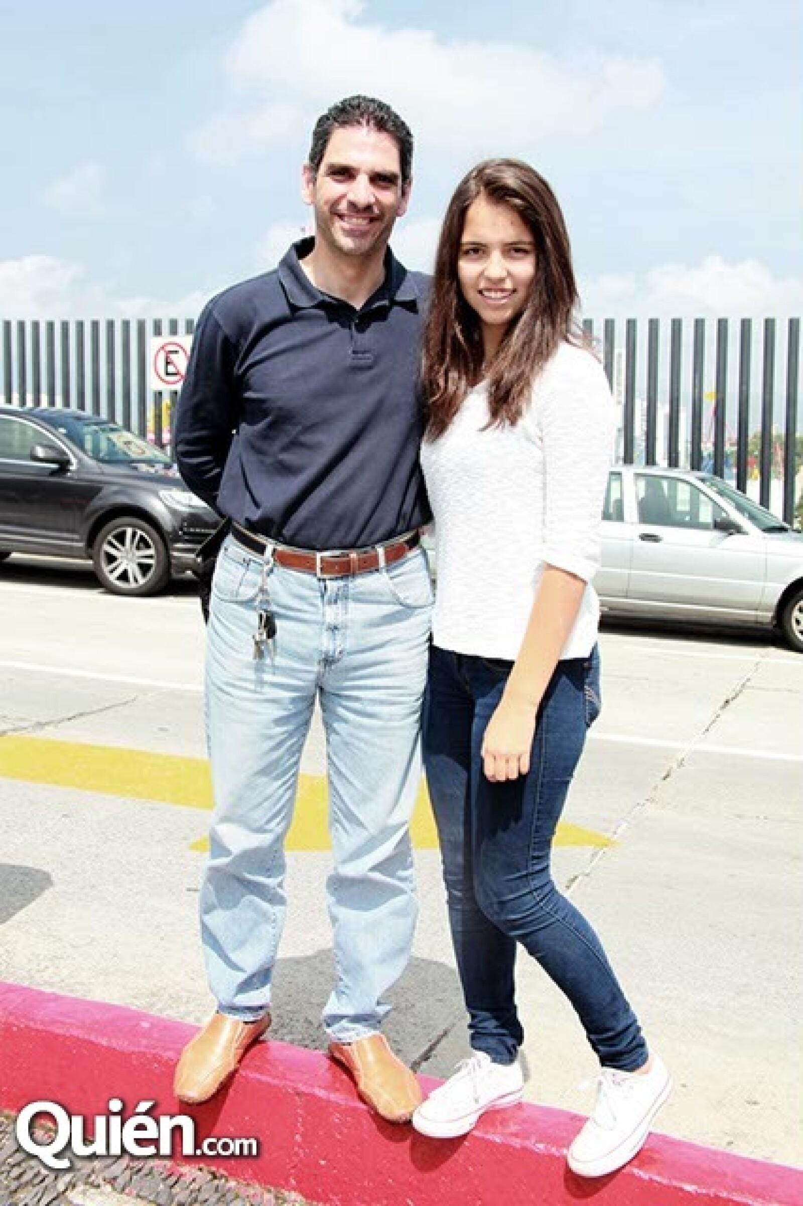 Michel Yitani y Daniela Parada