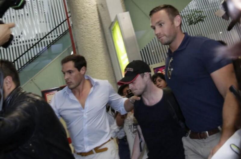 Para evitar posibles incidentes, los fanáticos del joven actor se quedarán con las ganas de verlo desfilar en un centro de comercial donde presentaría su más reciente película.
