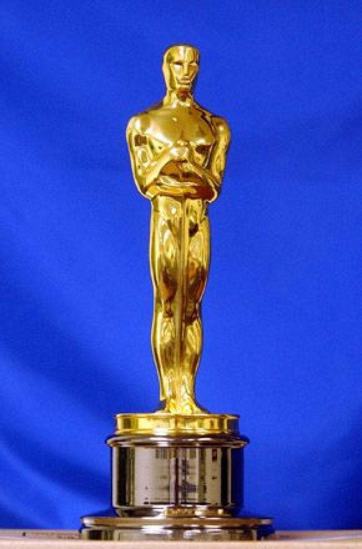 Tras una sesión fotográfica la estatuilla del premio de cine número 3453 fue enviada en un vuelo equivocado.