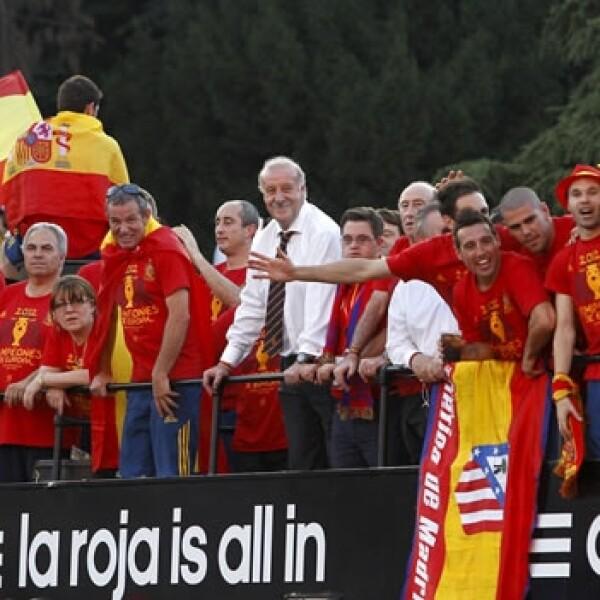 España festeja a su selección
