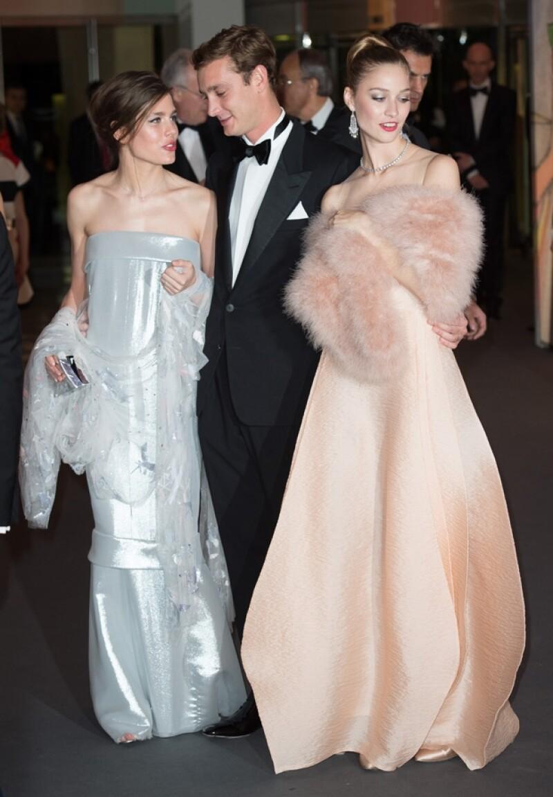 Carlota Casiraghi y Beatrice Borromeo, novia de Pierre, lucían espectaculares en vestidos de alta costura.