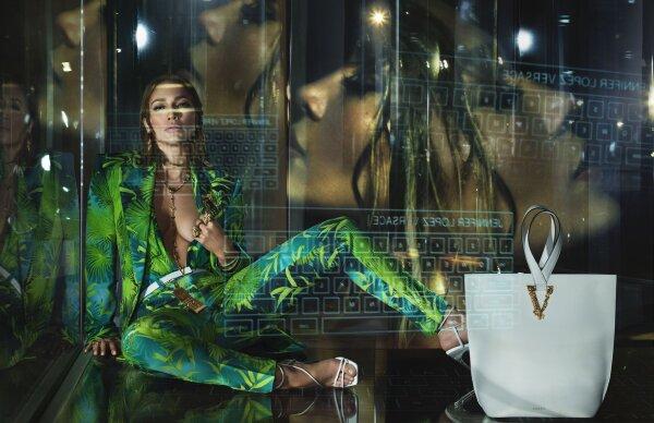 Versace-Jennifer-Lopez