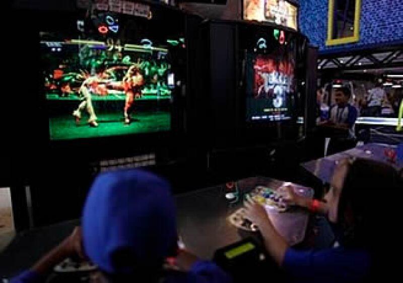 La industria de videojuegos será una de las pocas en no ser afectada en gran medida por la debacle económica.  (Foto: AP)
