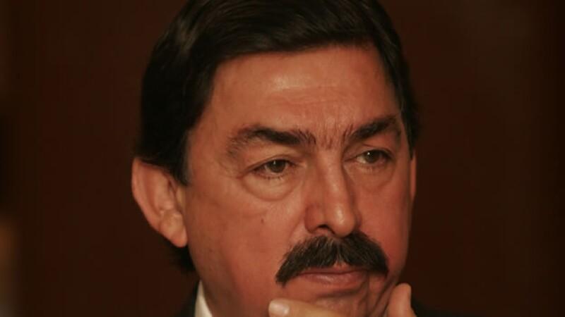 El líder minero mexicano Napoleón Gómez Urrutia se exilio en Vancouver, Canadá, al considerar que se le persigue