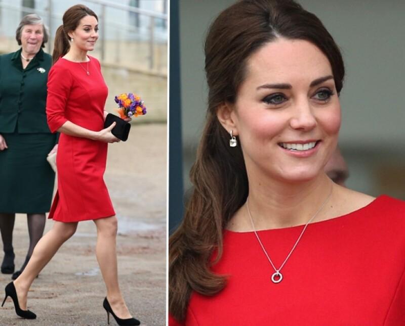 La duquesa de Cambridge nuevamente se mostró carismática en su visita.