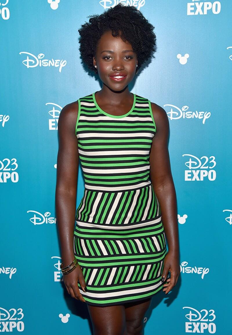 """La actriz de """"12 años de esclavitud""""  vivió de niña en Kenia, donde aprendió a cuidarse siguiendo la tradición de las mujeres del país."""