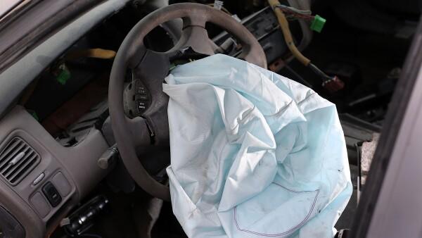 EU advirtió que hay  más de 300,000 vehículos que deben reemplazar sus bolsas de aire Takata.