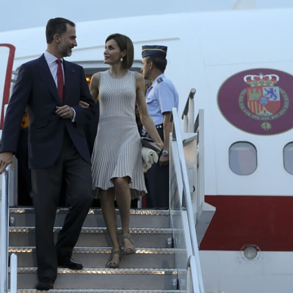 Los reyes de España, Felipe VI y Letizia Ortiz, llegaron este domingo a la Ciudad de México para su primer visita de Estado en nuestro país