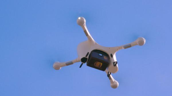 UPS hace entregas de muestras médicas en drones