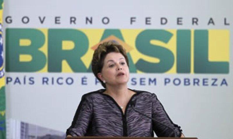 El Gobierno de Dilma Rousseff ha culpado del freno a la inyección de liquidez en la economía mundial. (Foto: Reuters)