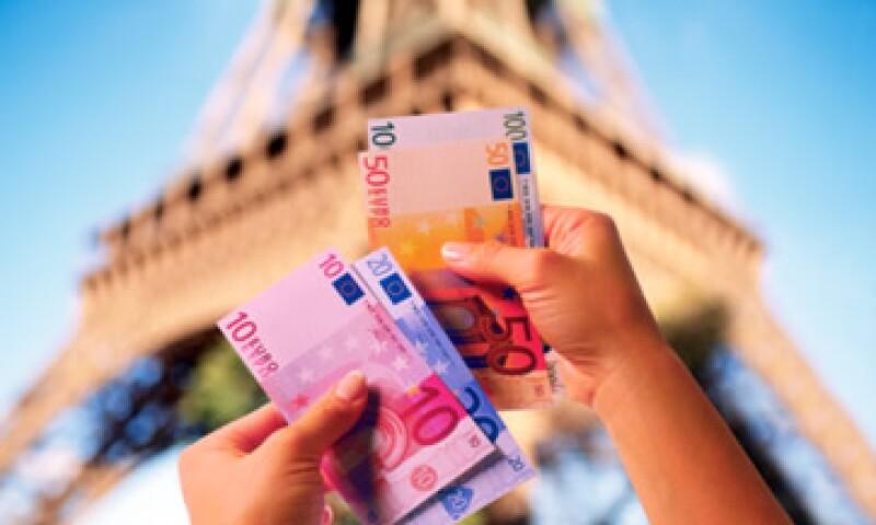 Francia redujo su déficit al 5.2% del PIB en 2012, aunque la cifra es peor a la media de la eurozona del 3.8%. (Foto: Thinkstock)