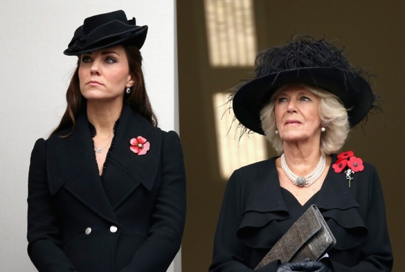 Parece que los malestares por el embarazo ya han dejado tranquila a Kate pues apareció en eventos formales este fin de semana al lado de su esposo.