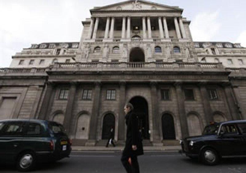 La semana pasada el Banco de Inglaterra mantuvo estables las tasas de interés. (Foto: AP)