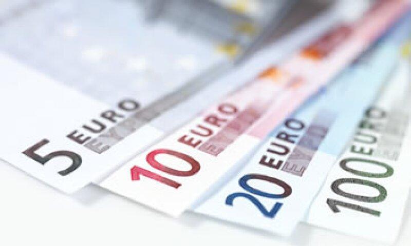 Las preocupacioanes por el abismo fiscal han depreciado al dólar a mínimo de un mes contra una cesta de monedas. (Foto: Getty Images)