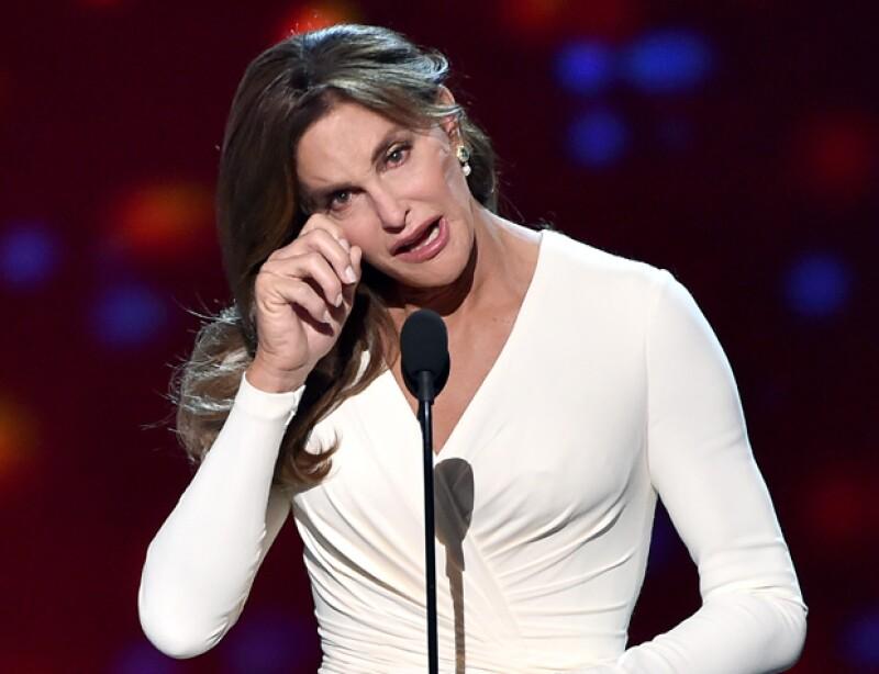 La estrella televisiva ofreció un discurso en favor de la aceptación de la comunidad transexual al recoger su premio Arthur Ashe al Valor.
