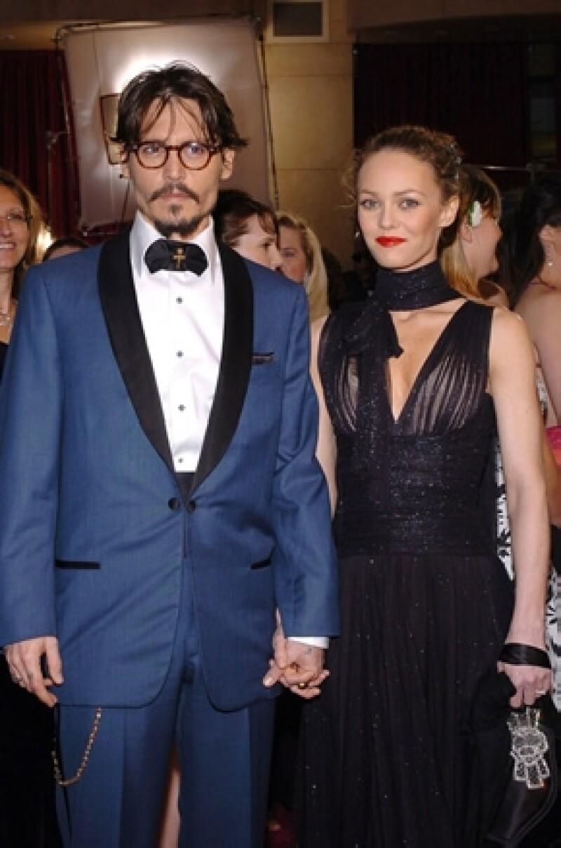 El actor, a pesar de no haberse casado con la actriz y cantante francesa, prefiere terminar todo sin problemas y así evitar una batalla legal.