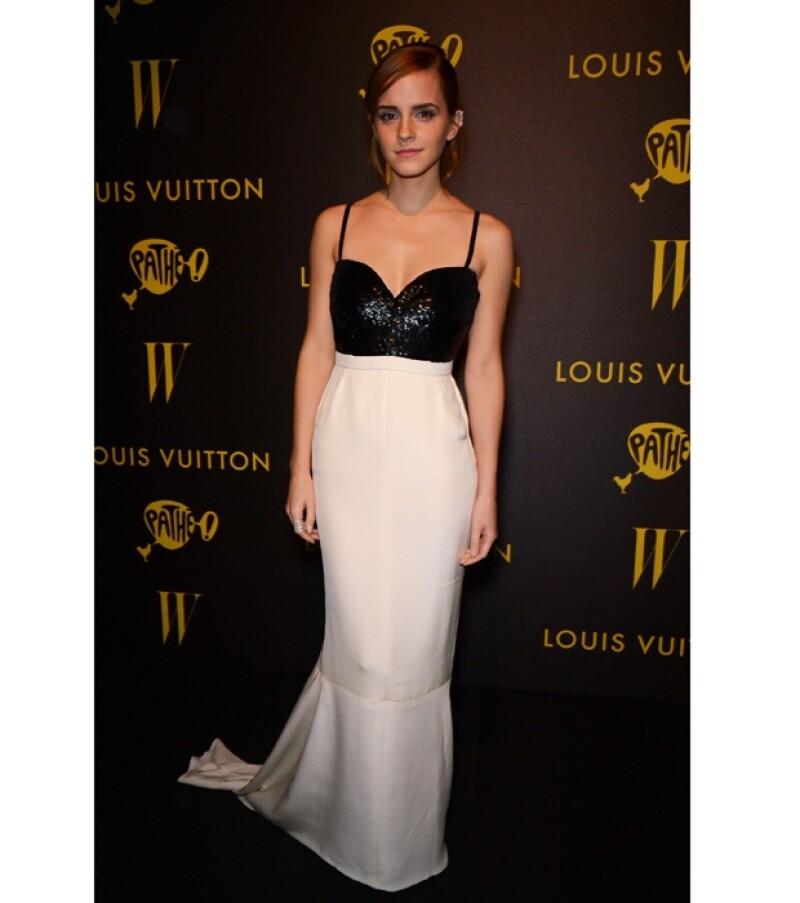 """La guapa actriz confesó que muchas de las prendas que usa en las """"red carpets"""" son prestadas por exclusivas firmas, por lo que cuando las devuelve todo regresa a la normalidad, tal como Cenicienta."""