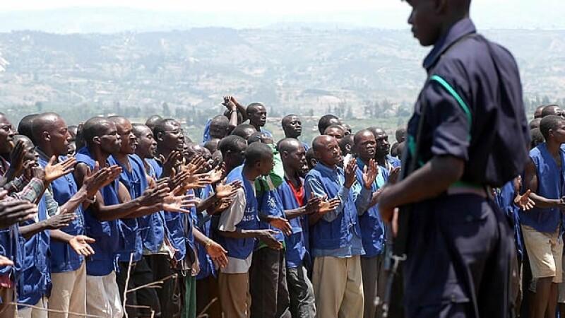 Presos acusados de genocidio libertada Ruanda