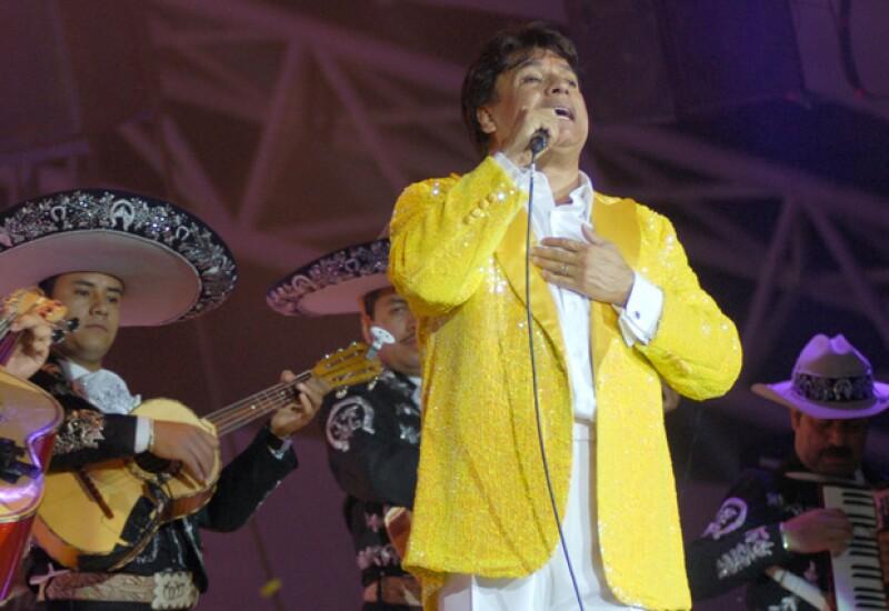 Según ha informado la periodista Mara Patricia Castañeda, el cuerpo del cantante fue cremado en California el lunes por la noche.