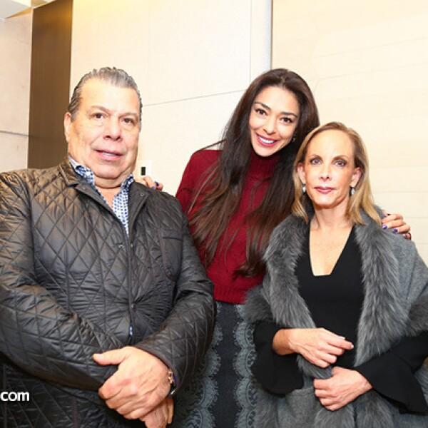 Omar Gallegos,Vanessa Fernández y Mónica Berger