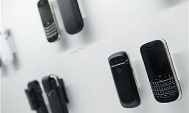 RIM, el fabricante de las BlackBerry, aseguró el martes pasado que el problema se había solucionado, y luego se retractó. (Foto: Reuters)