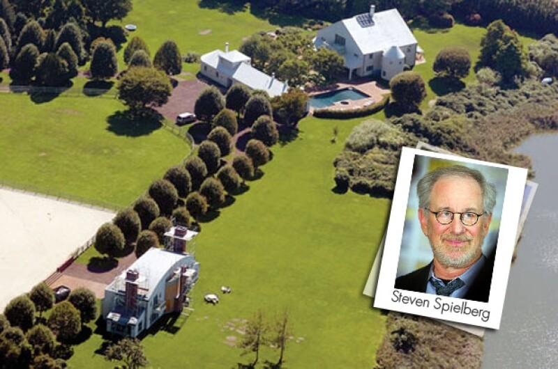 Steven Spielberg gusta de invitar a amigos de la talla de Bill Clinton y Will Smith.
