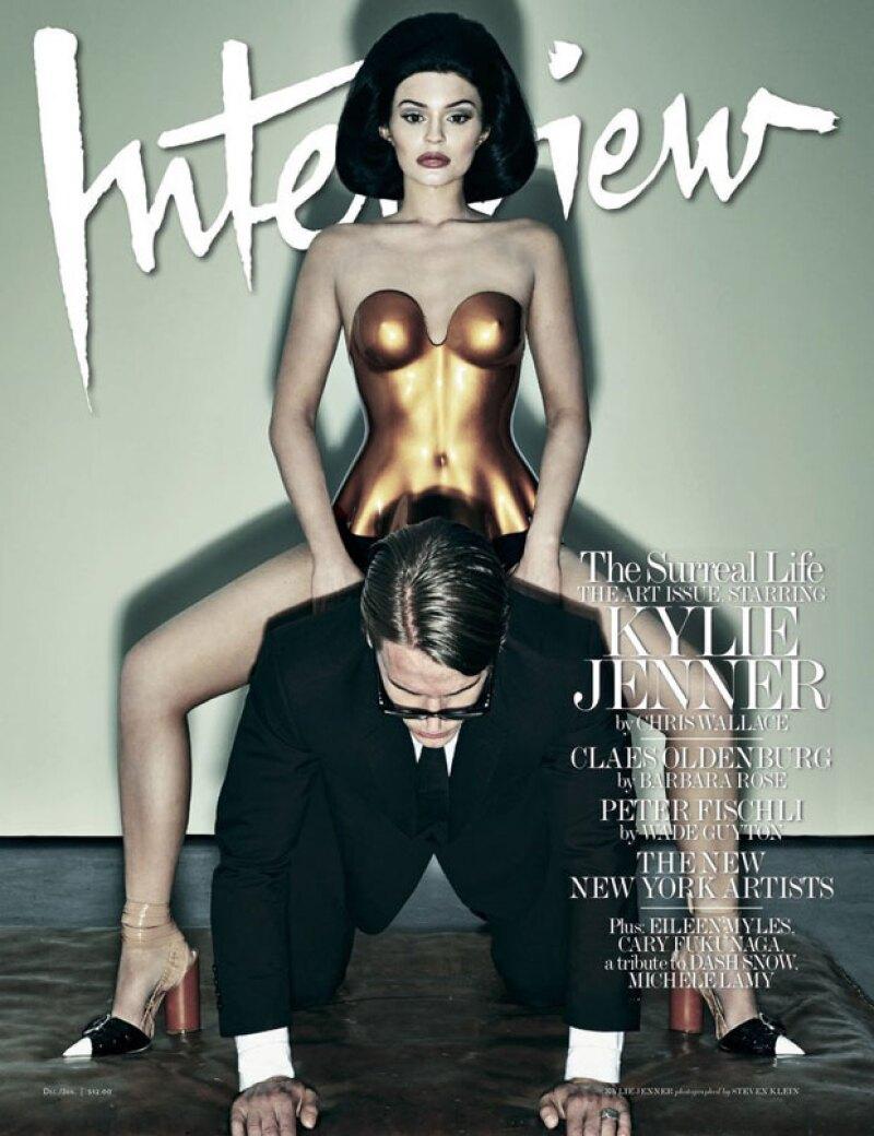 La celeb es portada de Interview Magazine, publicación que logró destapar no sólo parte de su cuerpo, sino que también dejó a la vista una personalidad muy distinta a la que muestra en sus redes.