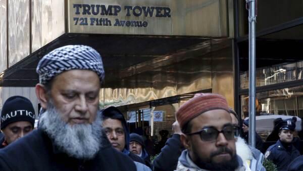 Los detractores del magnate han realizado marchas y protestas en contra de su candidatura.