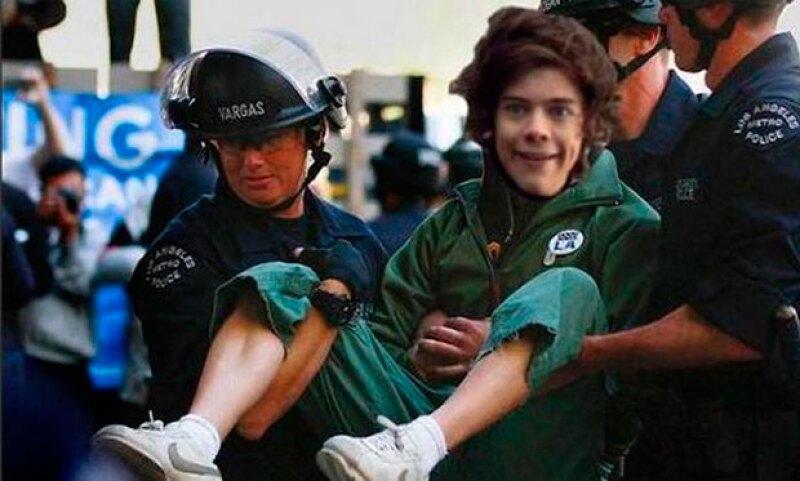 Los fans hicieron creer al mundo que Harry había sido detenido por la policía.