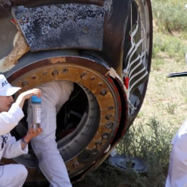 personal rescata la capsula shenzhous-9 en el norte de china