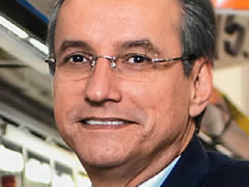 Eduardo Solórzano, presidente de Walmex, quiere atraer a más clientes, cueste lo que cueste. (Foto: Uriel Sasson/Archivo)