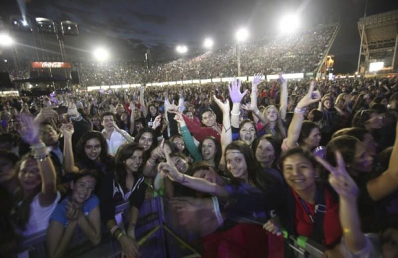 Quién mejor que una pre adolescente, de 12 años, amante de la música y fanática de Bieber para que nos narre la experiencia de cantar y bailar junto a más de 40 mil personas las canciones de su ídolo.