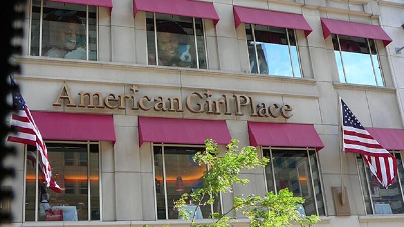 Dentro podrás encontrar el restaurante y el famoso salón de belleza