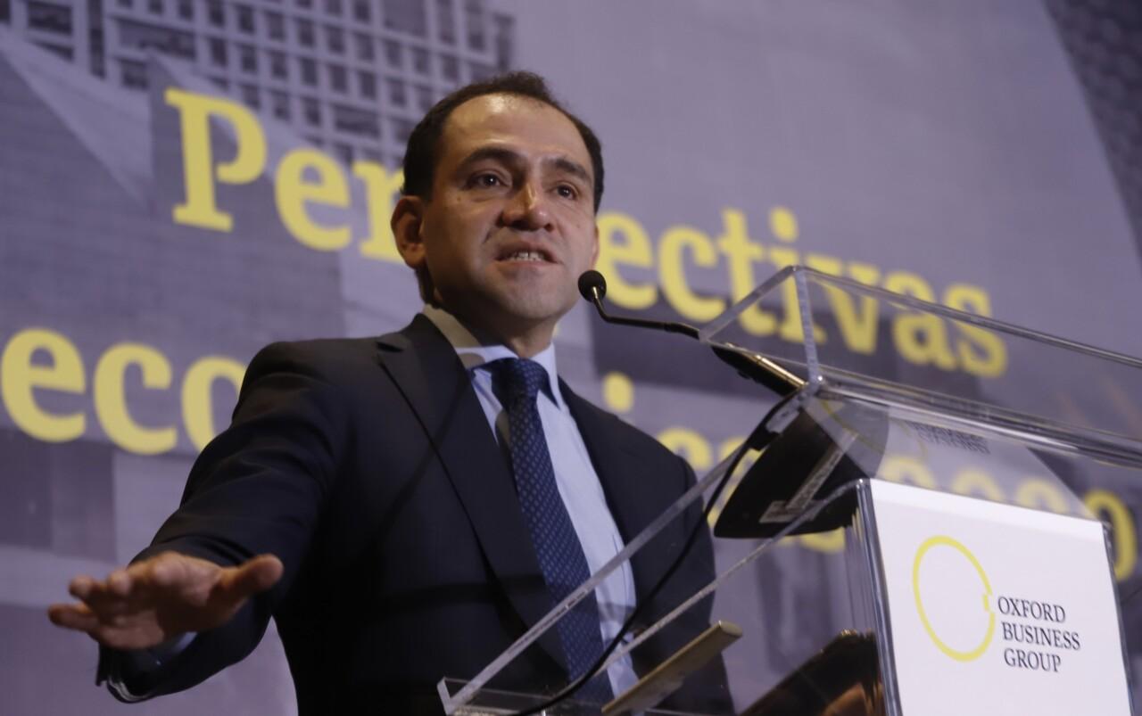 Hacienda trabaja en reactivar a la economía, dice Arturo Herrera