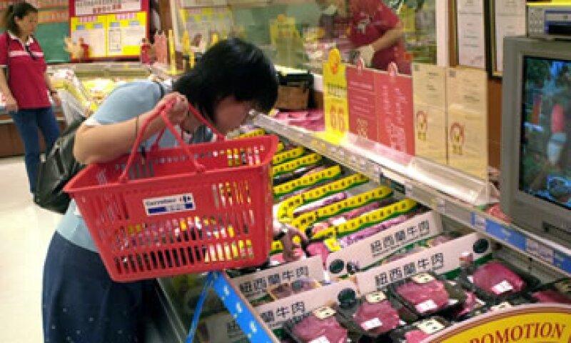 El trabajo doméstico incluye hacer el pago de servicios, trámites bancarios y ciertas compras. (Foto: AP)