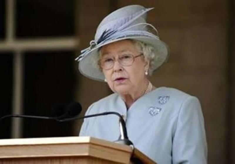 La reina buscaba recibir un subsidio a la energía comunitaria para mejorar la calefacción en el Palacio de Buckingham. (Foto: Reuters)