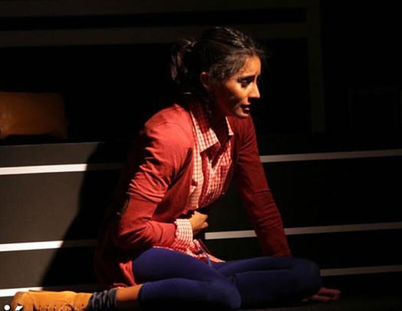 La actriz dijo que vivir el sismo en el escenario fue experiencia nueva, la cual le permitió actuar con profesionalismo.