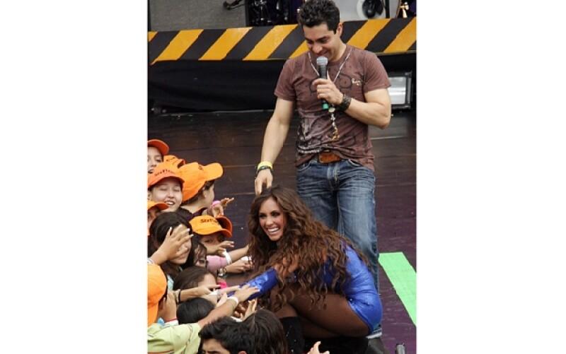 Los anfitriones fueron Anahí y Omar Chaparro, ademá de compartir escenario con otros artistas que presentaron las categorías.