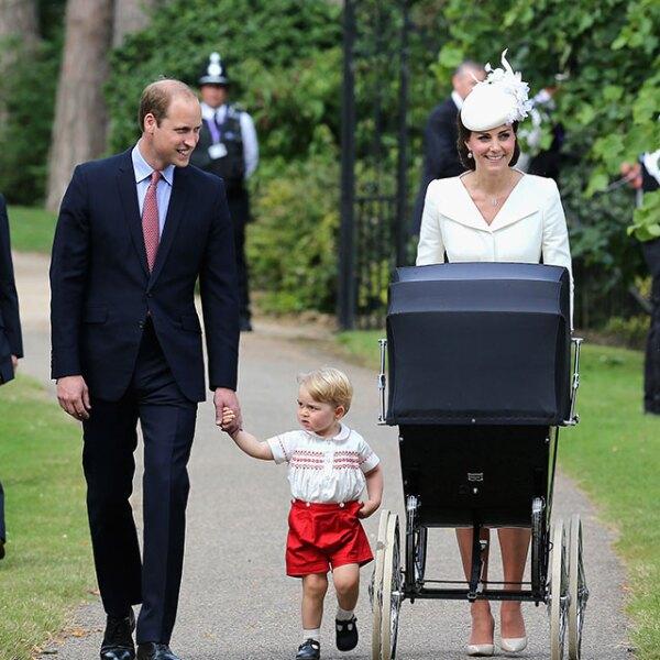 Los duques de Cambridge caminaron hacia la entrada entre ovaciones y aplausos.