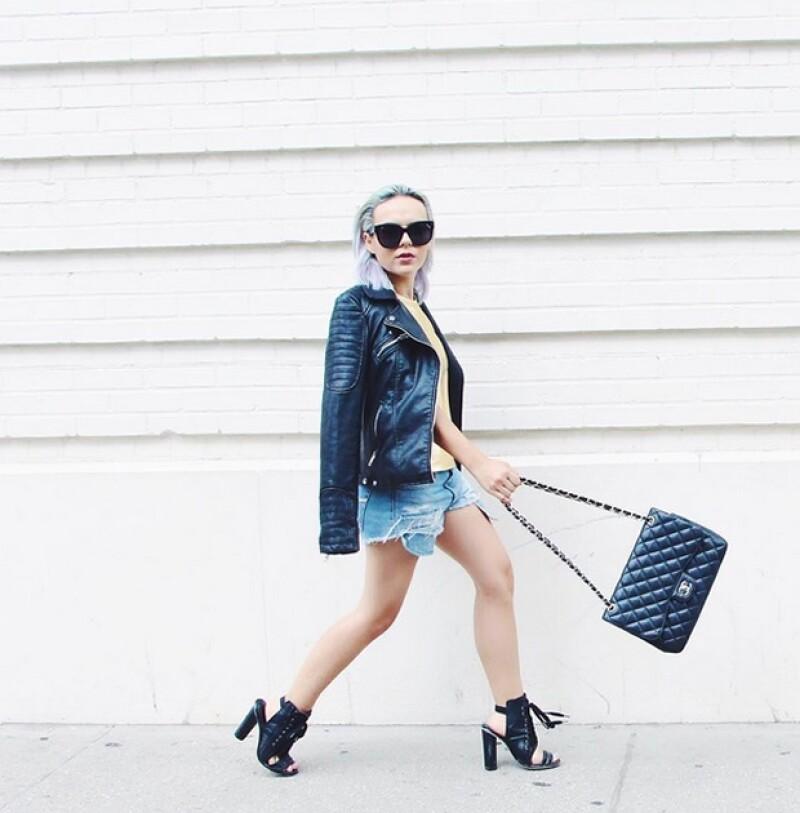 ¡No sólo las celebs aman la firma francesa! En Monterrey, las bolsas Chanel son todo un éxito. ¿Quién las lleva y cómo las usan? Descúbrelo aquí.