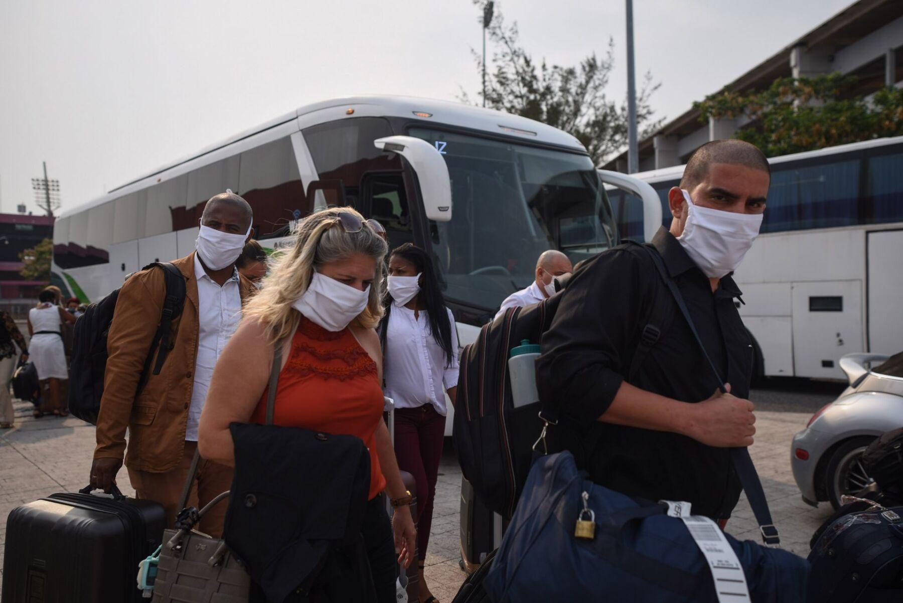 Médicos cubanos arribaron al estado de Veracruz para apoyar al combate del Covid-19 en el país.