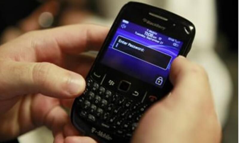 Si Icahn adquiere una participación en RIM, el fabricante de BlackBerry, estará a favor de dividir o vender la compañía. (Foto: Reuters)