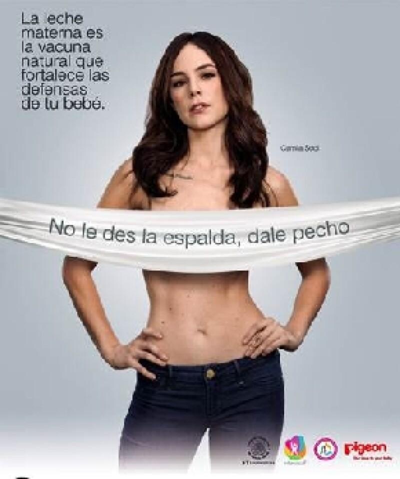 """La actriz mexicana expresó su desacuerdo por el hecho de promover la lactancia materna en la campaña  """"No les Des la Espalda, Dales Pecho"""" a través de imágenes de mujeres con """"cirugías estéticas""""."""