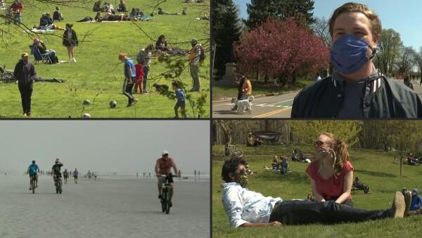 Varios neoyorquinos decidieron salir a los parques para relajarse tras semanas de confinamiento impuesto para prevenir el contagio de COVID-19.